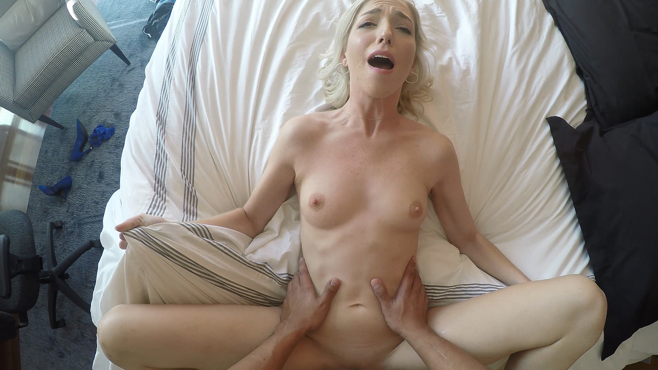 Great fuck with a fresh blonde - Zoe Parker