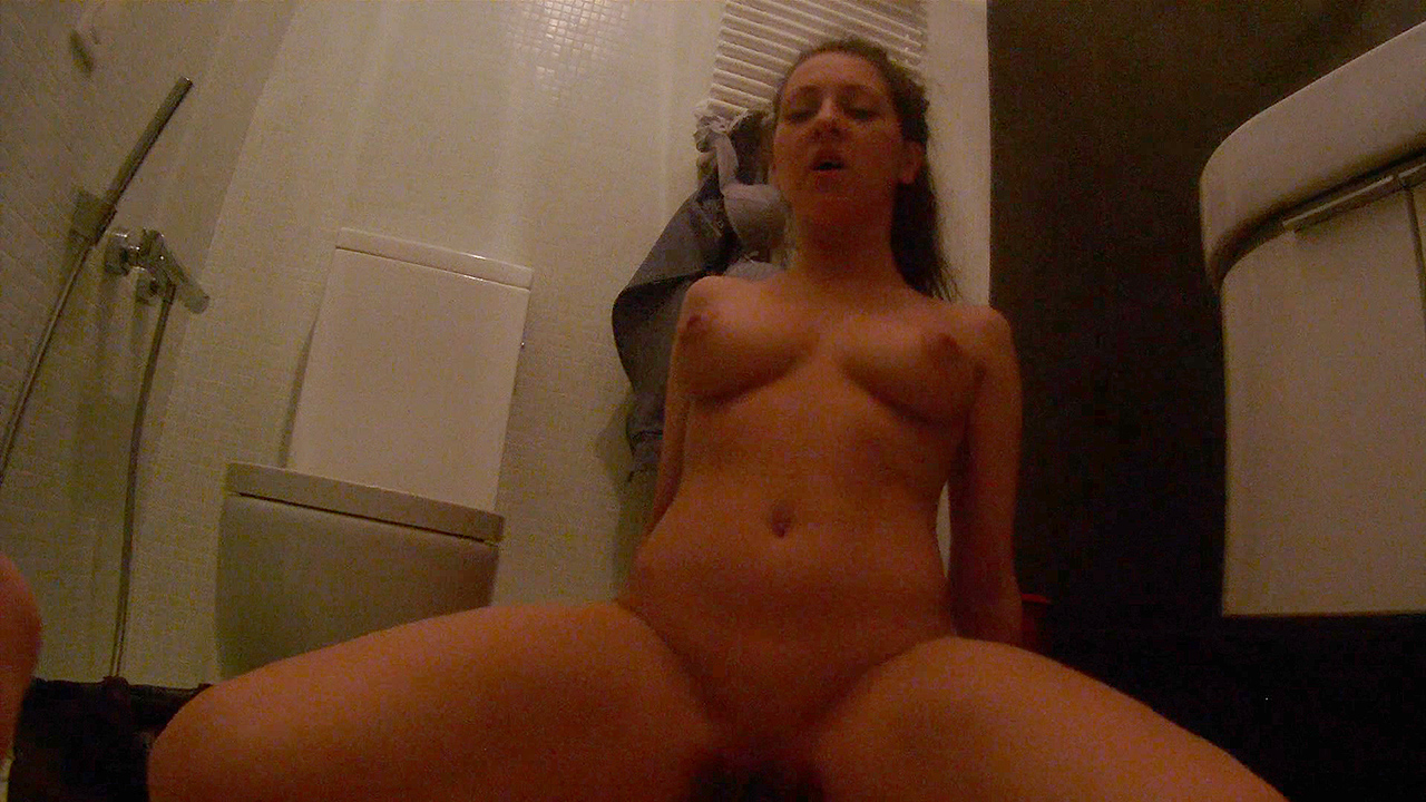 Inna - Restroom fuck in spycam glasses