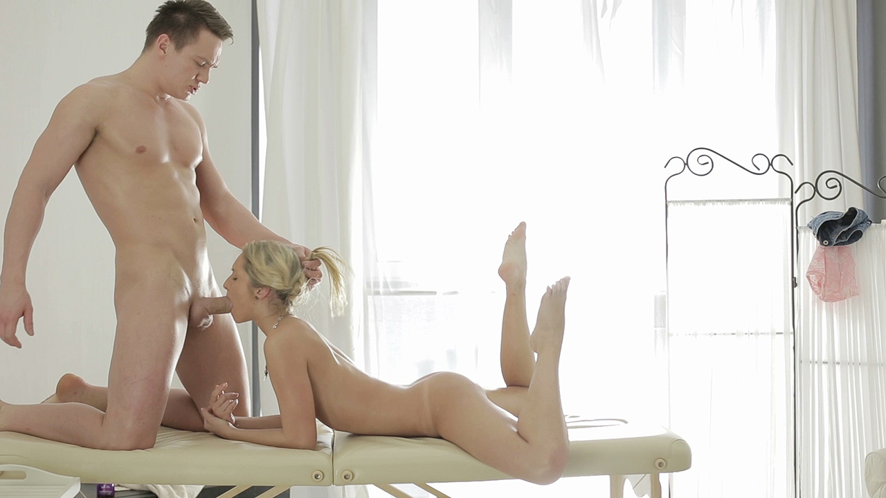 Jessi Gold - Oiled-up tease and lovemaking
